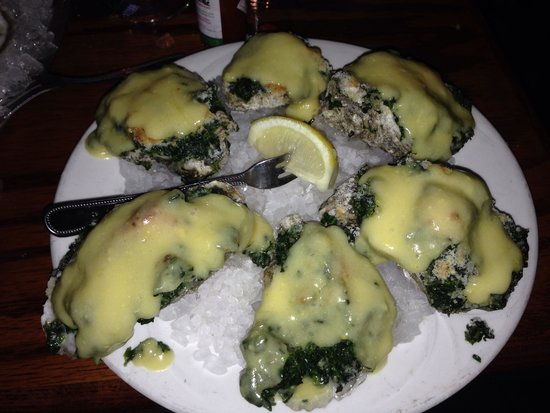 Crow's Nest Marina Restaurant & Tavern: Oyster rockeffer