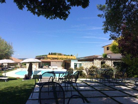 San Giovanni Terme Rapolano : La piscina riservata ai clienti dell'hotel..
