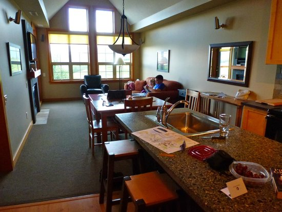 Predator Ridge Resort: 1 bedroom suite in main lodge