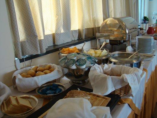 Palazzo Turchini: breakfast buffet