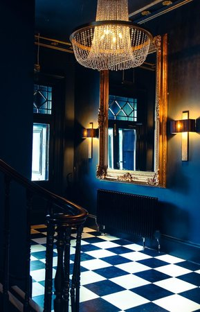 The Edgbaston: lobby
