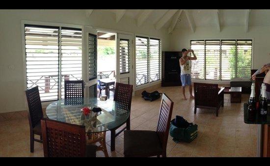 Musket Cove Island Resort : Armstrong villa main living area