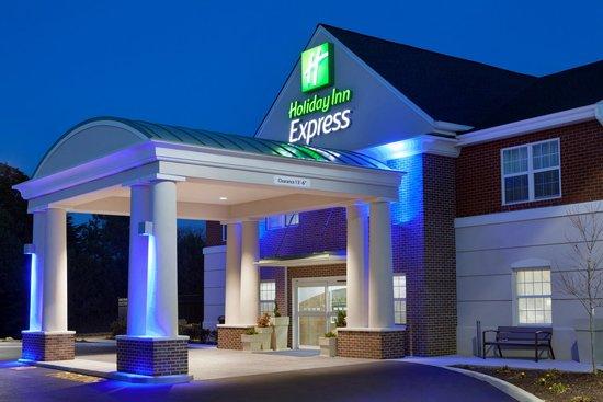 Holiday Inn Express Williamsburg North: Entrance