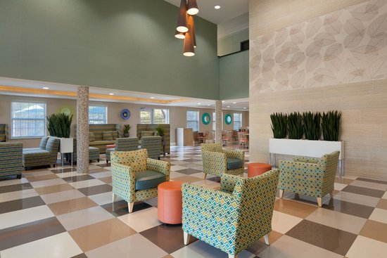 Holiday Inn Express Williamsburg North : Lobby