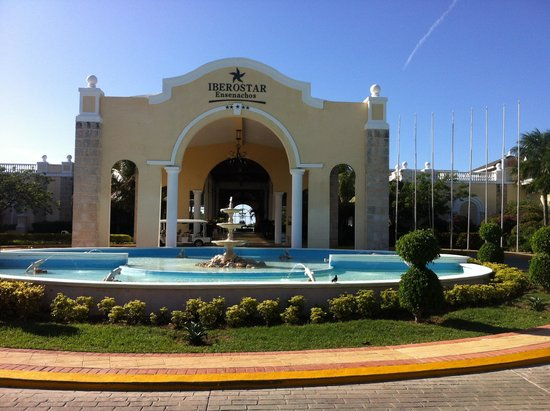 Iberostar Ensenachos : Front of the hotel