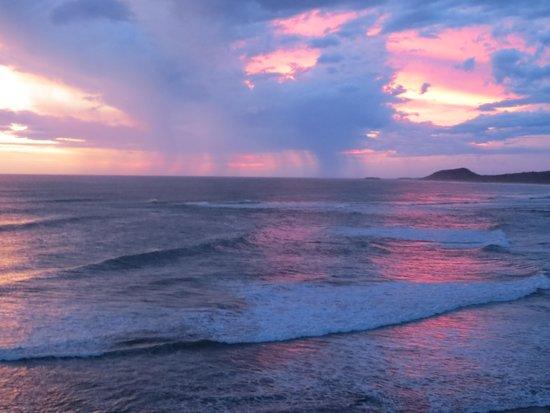 Soma Surf Resort: Nicaragua sunset