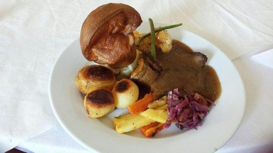 George & Abbotsford Hotel: Sundsy roast 2x courses £8.50