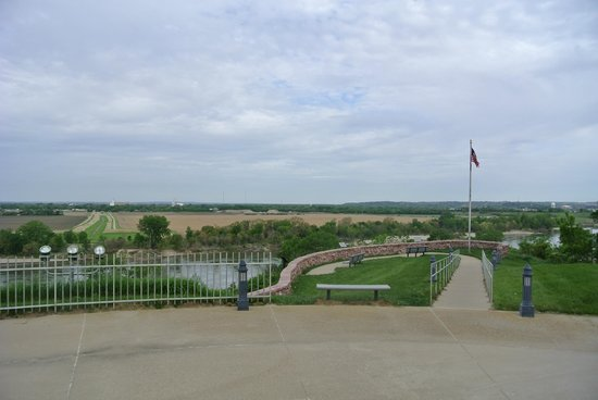 Sergeant Floyd Monument: view overlooking the highway