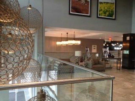 Sandman Signature Kamloops Hotel: Lobby Area