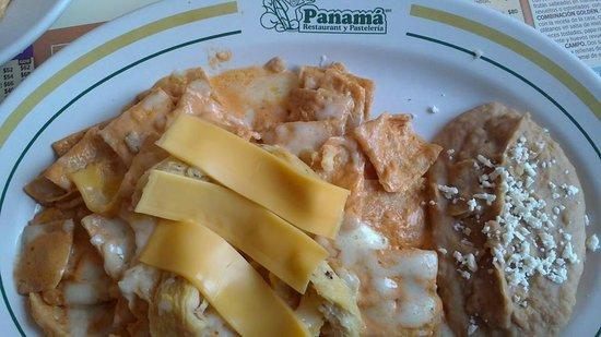 Panama : Chilaquiles suizos con pollo