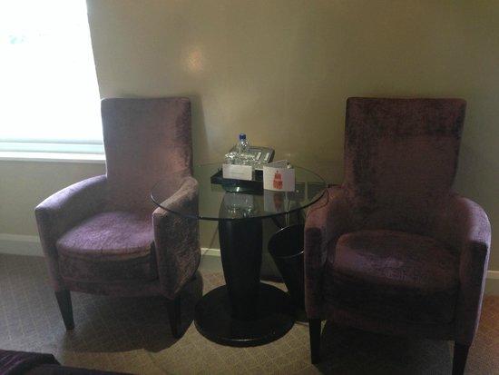 Radisson Blu Edwardian London, Bloomsbury Street : Seating in room