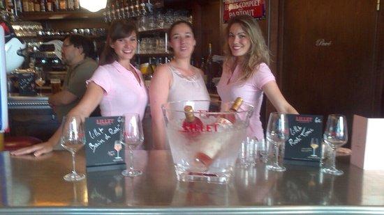 Le Piquet: Soirée Lillet Rosé avec nos charmantes hôtesses.