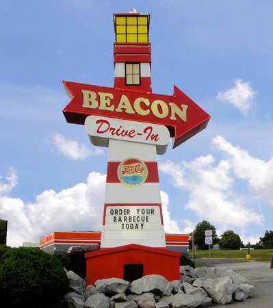 Beacon Drive In : My Image of the big Beacon sign