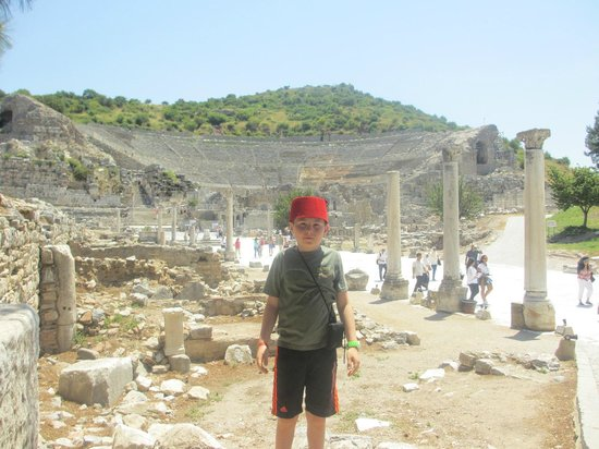 Ephesus Travel Guide - Private Ephesus Tours: Place indicated by Denizhan to take the best picture