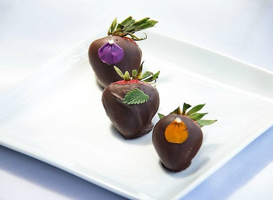 Camano Island Inn : Chocolate Covered Strawberries