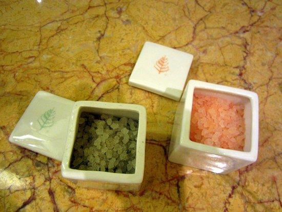 Four Seasons Hotel Hong Kong: Bath salt