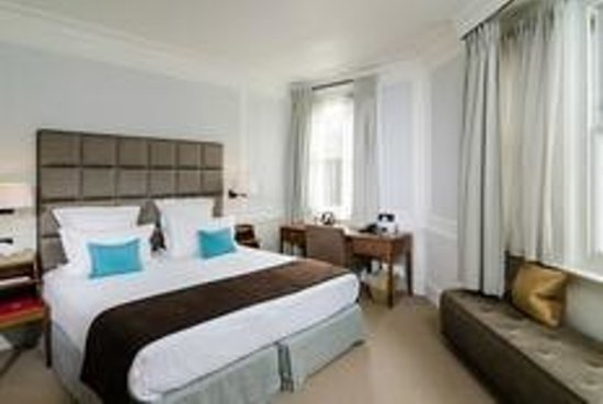 Sloane Square Hotel: The Club Room that I always request when I'm at the Hotel