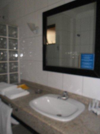 HM  Hotel: baño