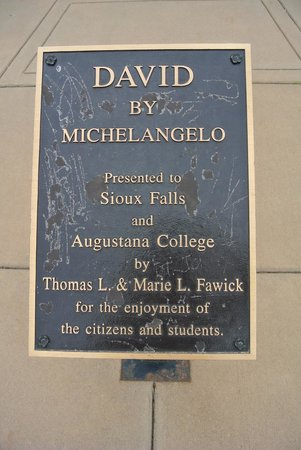 Michelangelo's David replica: sign
