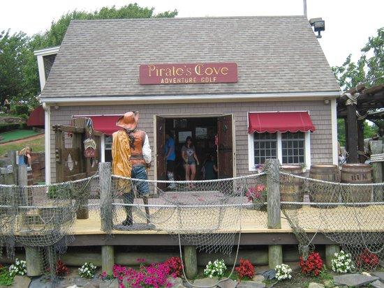 Pirate's Cove: Entrance