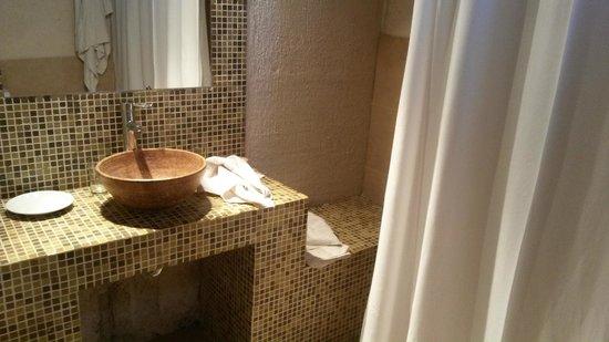 Hotel Canon de Talampaya: baño hab 34