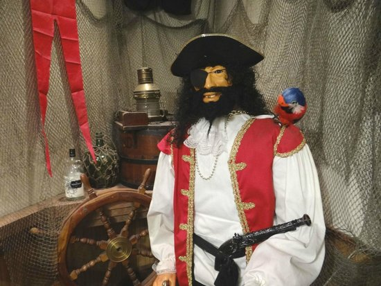 The Pirates' House: Ahoy there! (in the gift shop area)