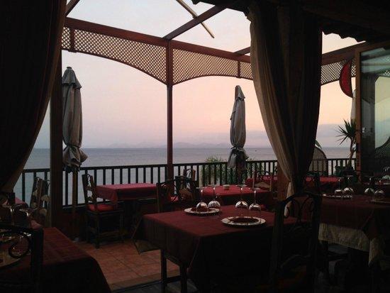 Luna Rossa : View from inside the restaurant, lovely