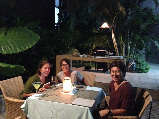The Kirana Hotel Resto and Spa : BBQ dinner catered