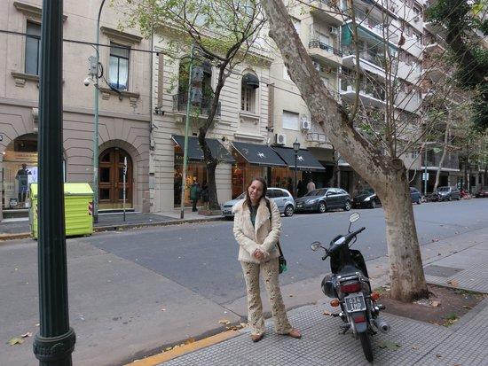 Palacio Duhau - Park Hyatt Buenos Aires: rua do hotel