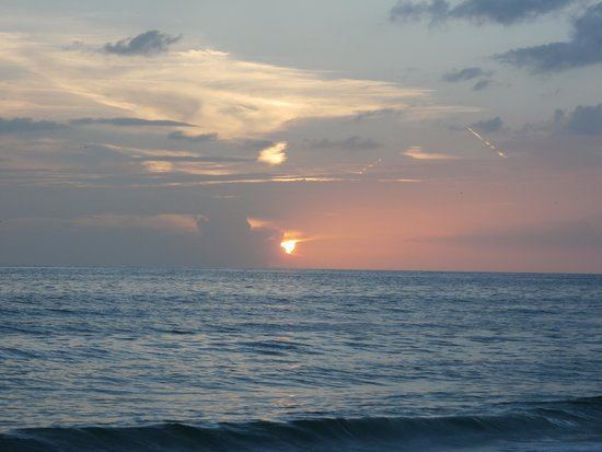 Dolphin Beach Resort : Sunset from my room 3