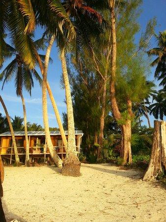 Amuri Sands, Aitutaki: A view of Amuri Sands from the beach