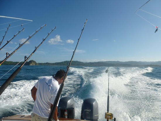 Nosara Paradise Rentals: Deep Sea Fishing - heading out