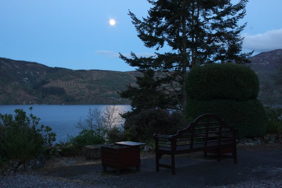 Tigh Na Bruach: Moonlight over Loch Ness