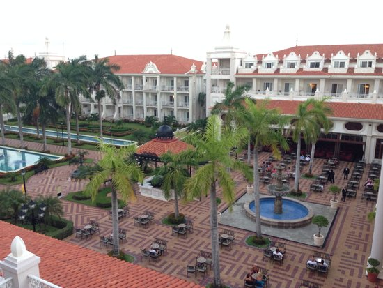 Hotel Riu Palace Riviera Maya: View from room 3089 which the room key isn't reliable