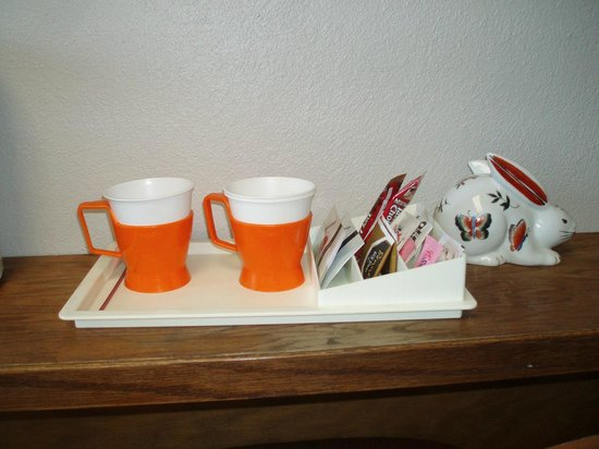 Canfield Hotel : Remember cups like these?