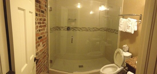 French Market Inn: Gorgeous Shower
