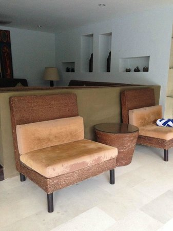 Danoya Villa - Private Luxury Residences: living room falling apart furniture