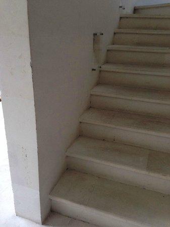 Danoya Villa - Private Luxury Residences : stair