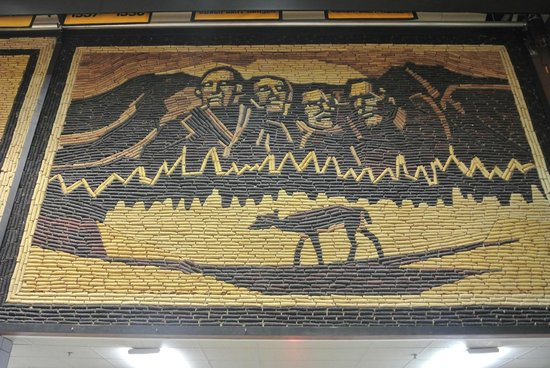 Corn Palace: corn mural