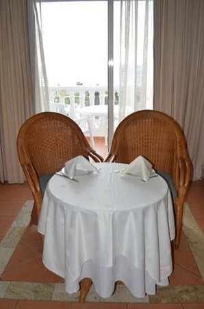 Luxury Bahia Principe Runaway Bay Don Pablo Collection: table in room