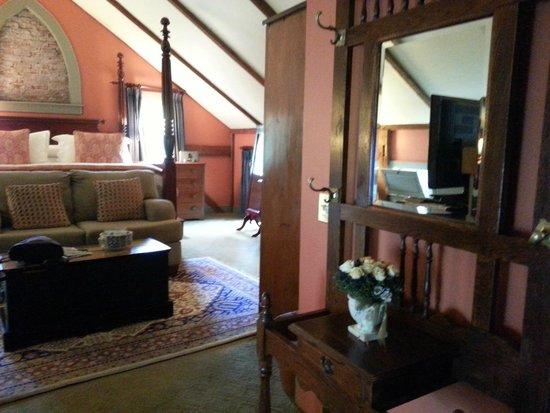 Captain's House Inn: Wild Pigeon