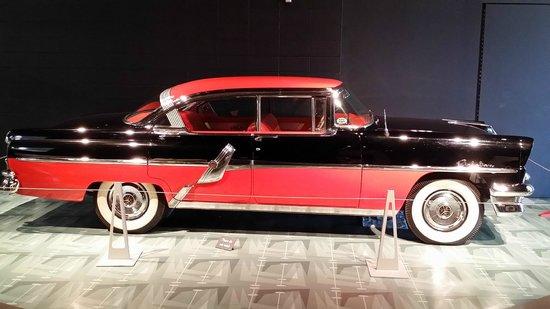 Reynolds-Alberta Museum: 1960 Imperial Crown