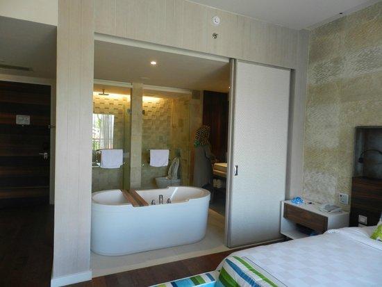 TS Suites Leisure Seminyak Bali: Room