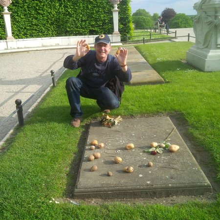 Potsdam's Gardens : Potatoes for Frederick the Great