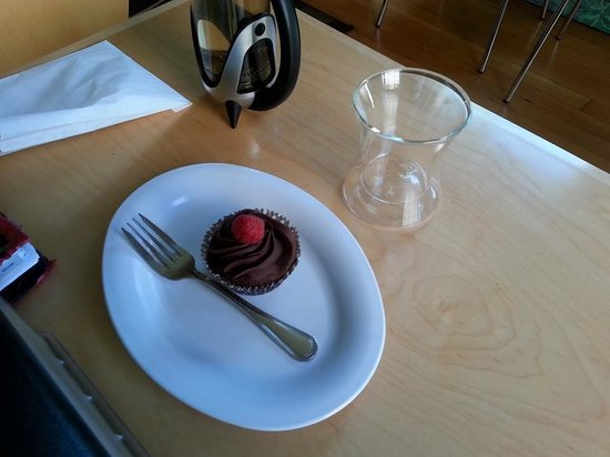 Huber's Inn Port Townsend : Enjoy some of Washingtons best sweet treats in Port Townsend.