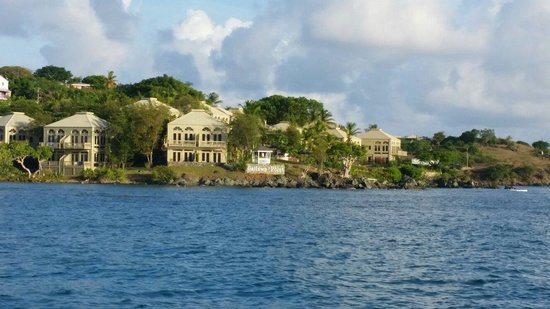 Gallows Point Resort: The hotel, from ocean view! :)