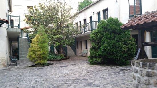 Résidence Chlorophylle : Courtyard