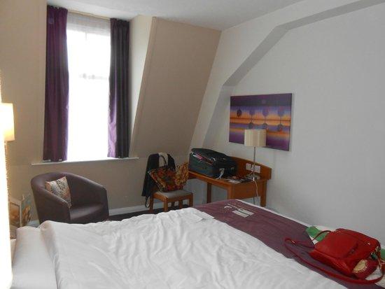 Premier Inn London County Hall Hotel: Habitaciòn