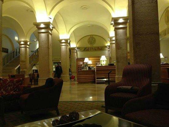 Imperial Riding School Renaissance Vienna Hotel: Vista desde la Entrada