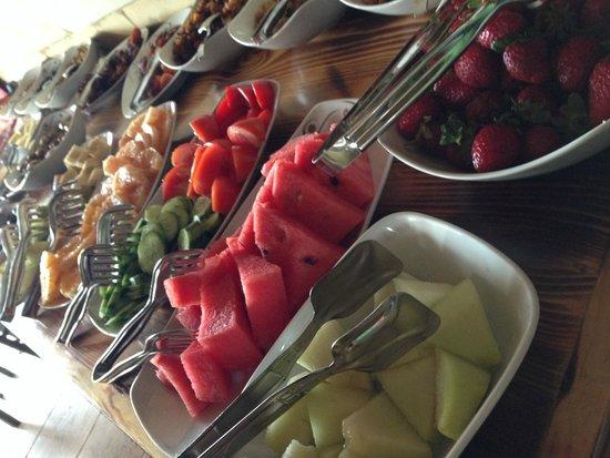 Vineyard Cave Hotel: Breakfast